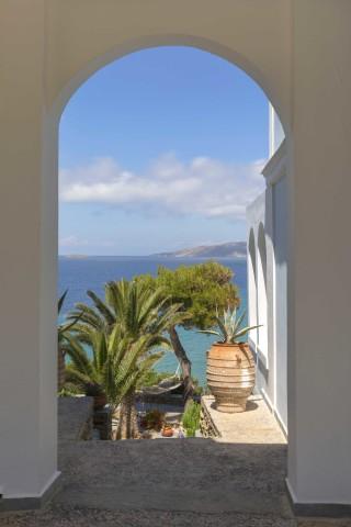 aneroussa-beach-hotel-05