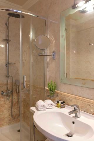 standard double room aneroussa hotel-10