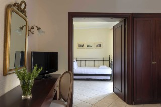 suites-aneroussa-beach-hotel-26