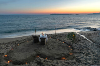 wedding-and-events-aneroussa-beach-romantic-dinner